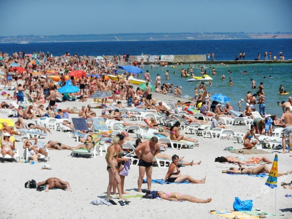 Отдыхающим вОдессе рекомендовали воздержаться откупания на 6-ти пляжах