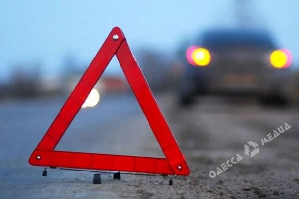 Напоселке Котовского пьяная дама бросалась под колеса автомобиля