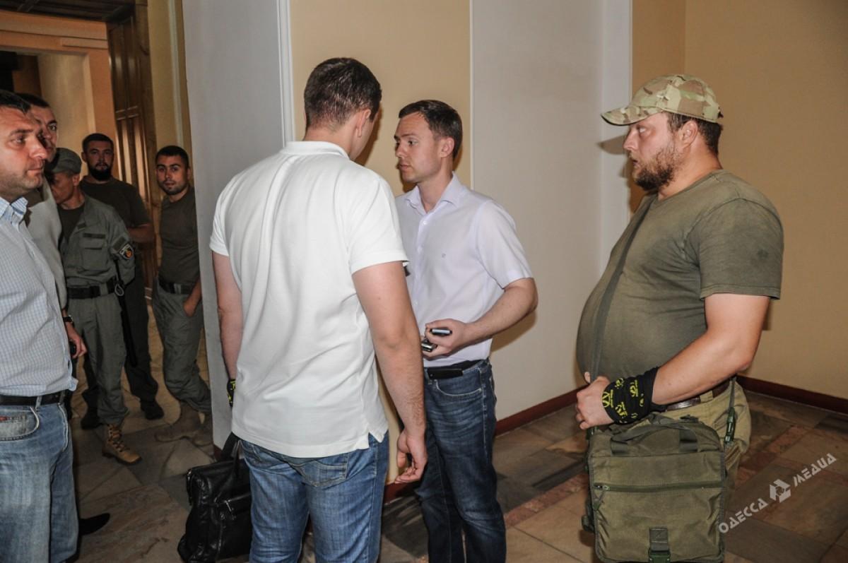 Одесские патриоты проверили, действительноли Янчук отстранен отработы