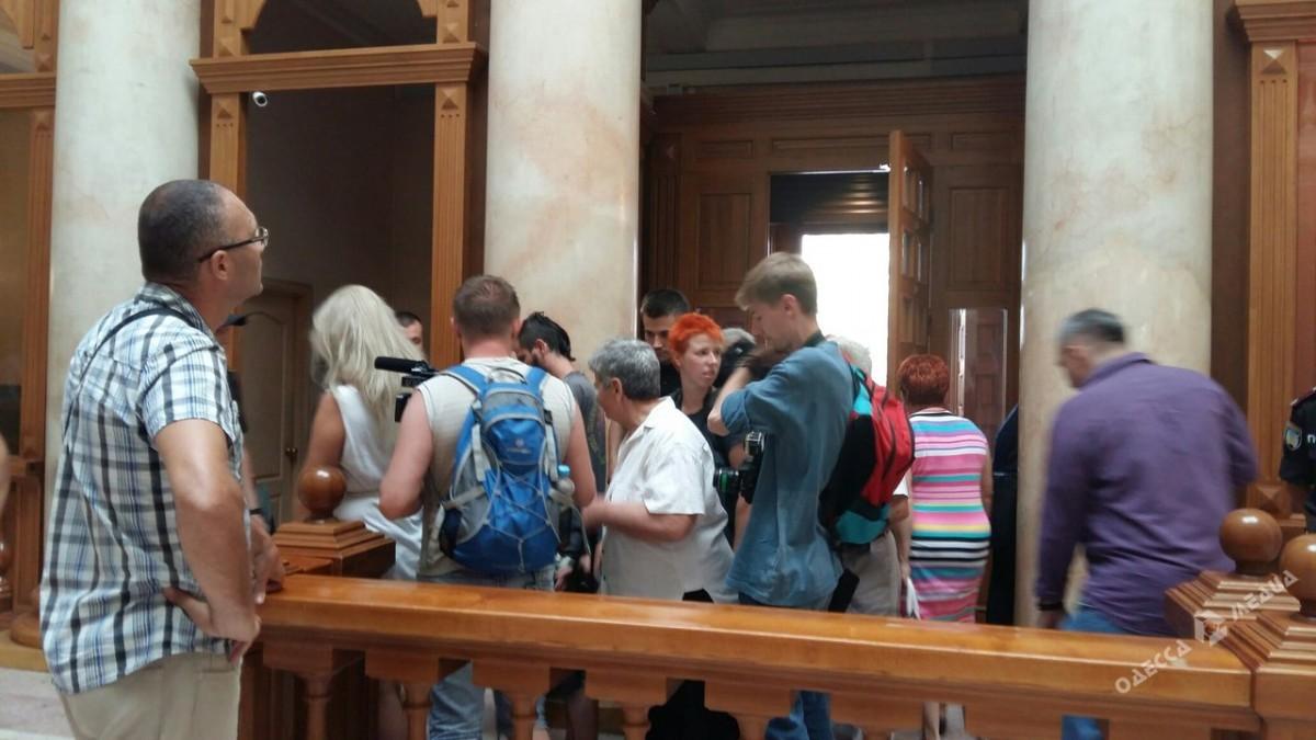 ВОдессе радикалы заблокировали социальные слушания попереименованию улиц