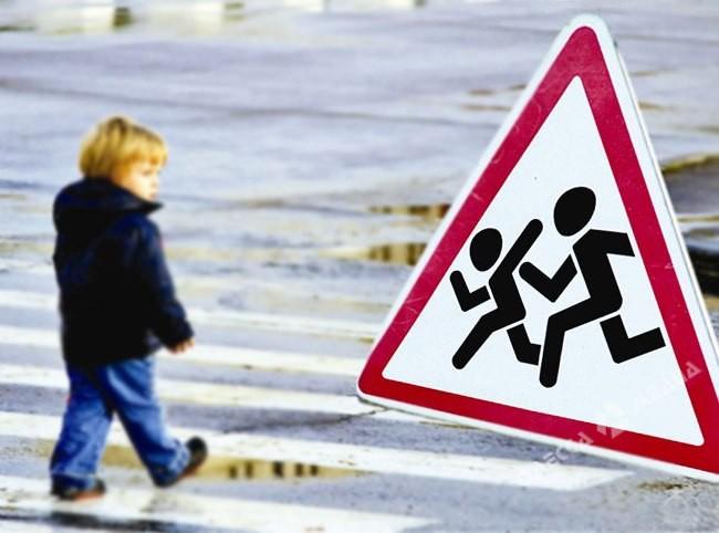 ВОдессе 7-летний парень попал под колеса машины