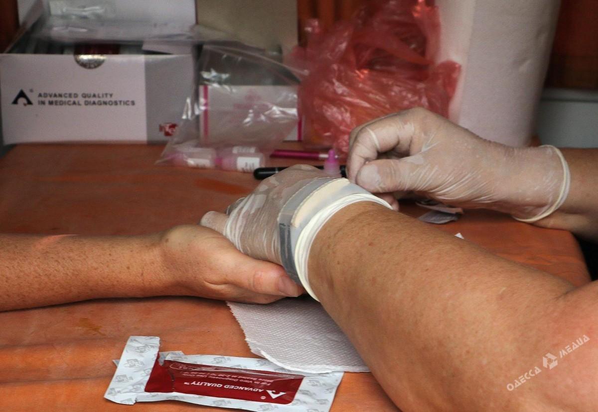 Военный медик: Проститутки специально заражают карателей наДонбассе