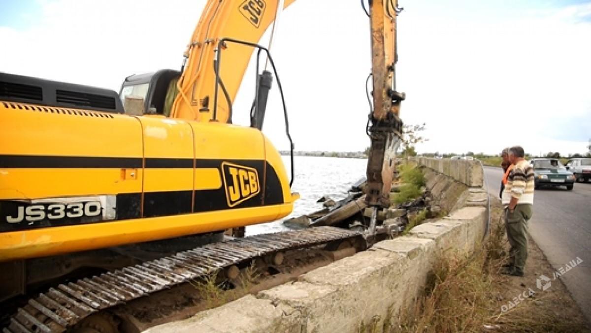 ВОдессе начали ремонт аварийного участка Хаджибейской дамбы