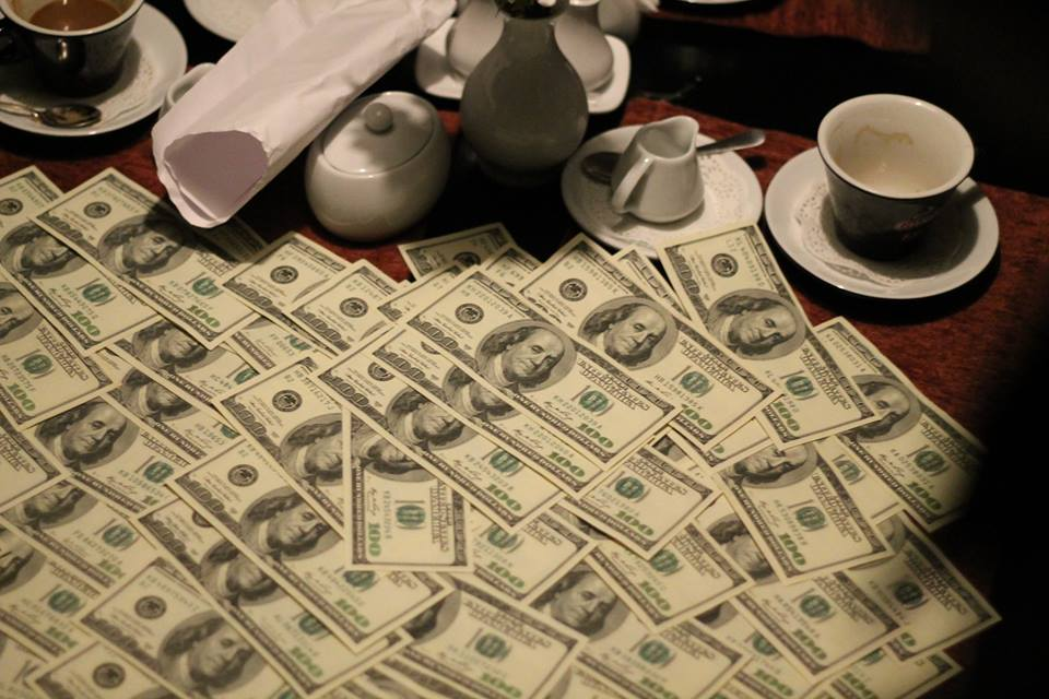 ВОдессе за13 тыс. долларов работник СБУ должен был убить улики