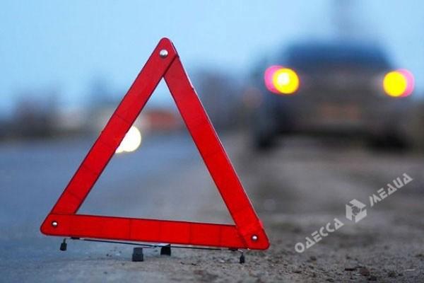 Иностранная машина насмерть сбила мужчину напешеходном переходе напоселке Котовского вОдессе