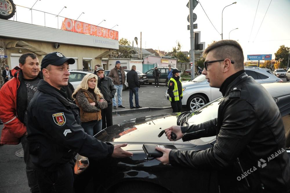 Граждане Одессы начали перекрывать улицы из-за отсутствия электричества