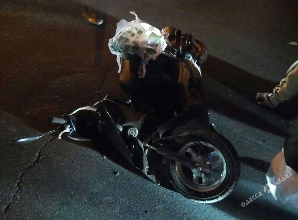 Шофёр госпитализирован: вОдессе случилось ДТП сполицейским авто