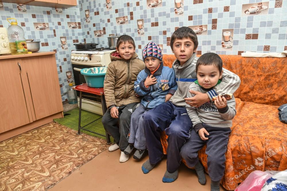 Что вы знаете о трудностях, или Как в Одесской области выживает многодетная семья (фото)