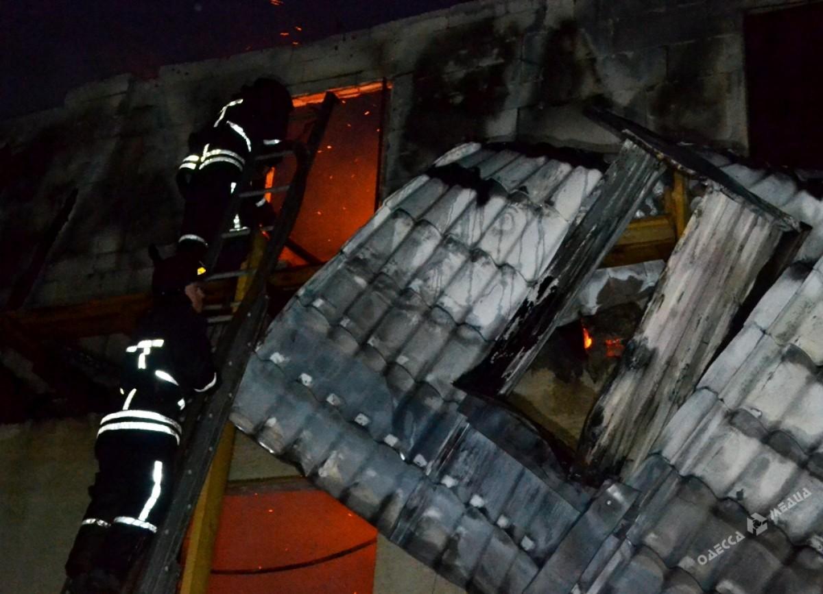 ВОдессе впроцессе пожара вновостройке сгорело 10 квартир