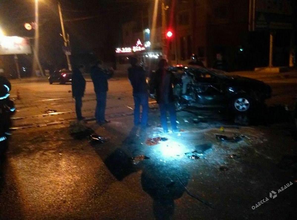 Заночь наНиколаевской дороге случилось два серьезных ДТП