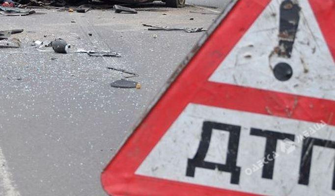 Вцентре Одессы машина сбила мужчину иувезла его внеизвестном направлении