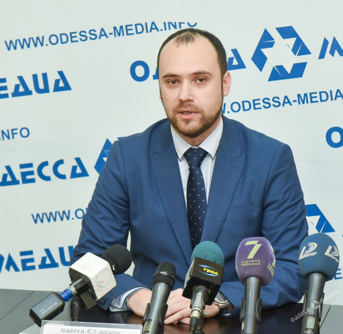 5fb1558ab3ef06bdad42f48c4f29758b Одесские эксперты готовятся к доллару по 40 гривен