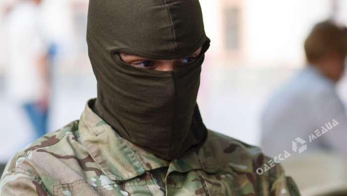 ВОдессе националисты вбалаклавах избили судью