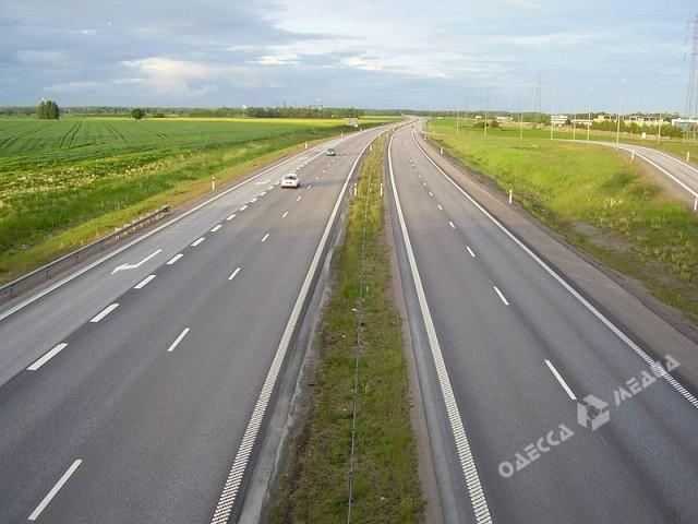 Гройсман назвал сроки полноценного ремонта дорог вгосударстве Украина