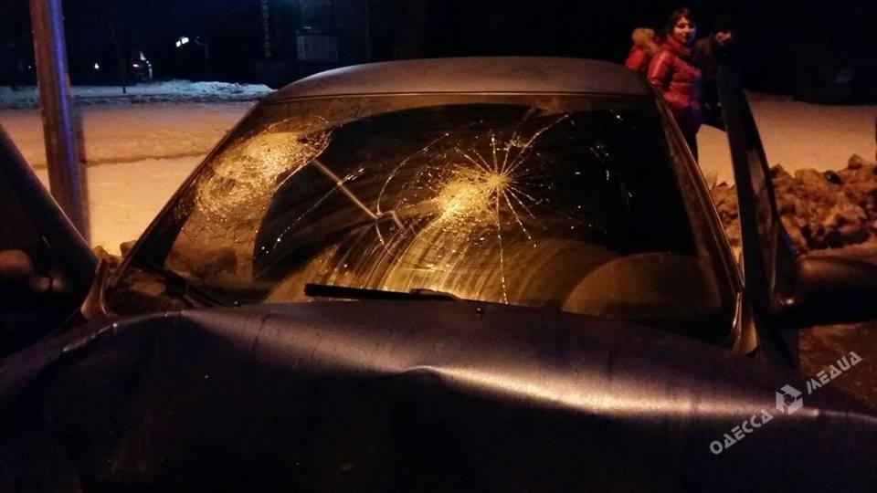 Наодесском проспекте Гагарина «лоб влоб» столкнулись два авто: есть пострадавшие