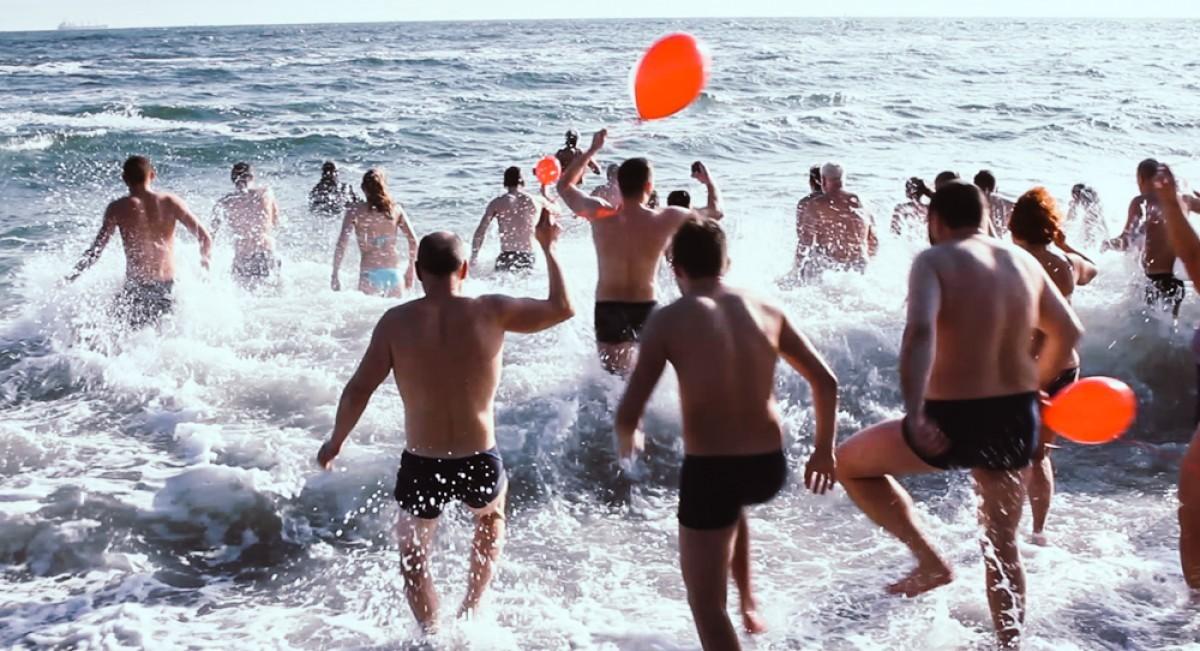 ВОдессе наКрещение вморе зашло рекордное количество купающихся
