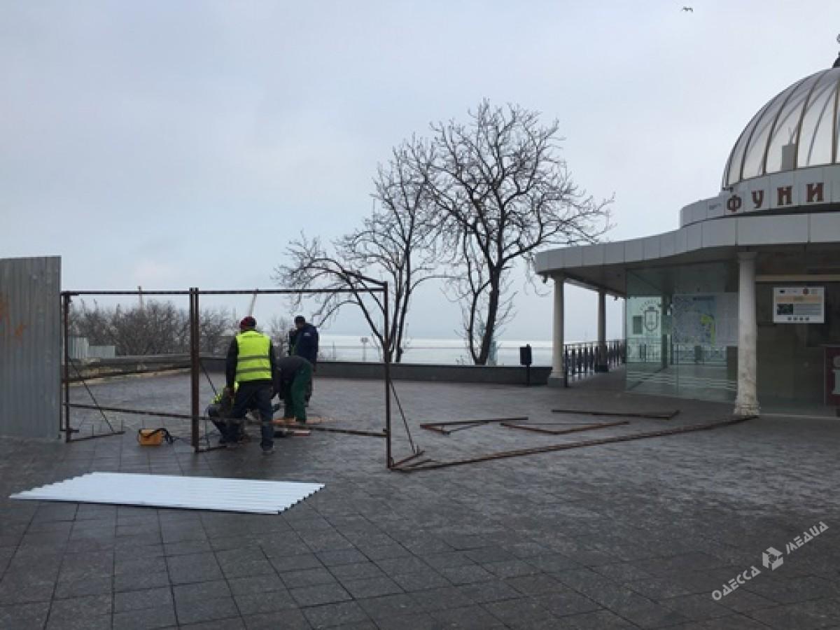 Ссегодняшнего дня движение поПотемкинской лестнице навсе 100% закрыто