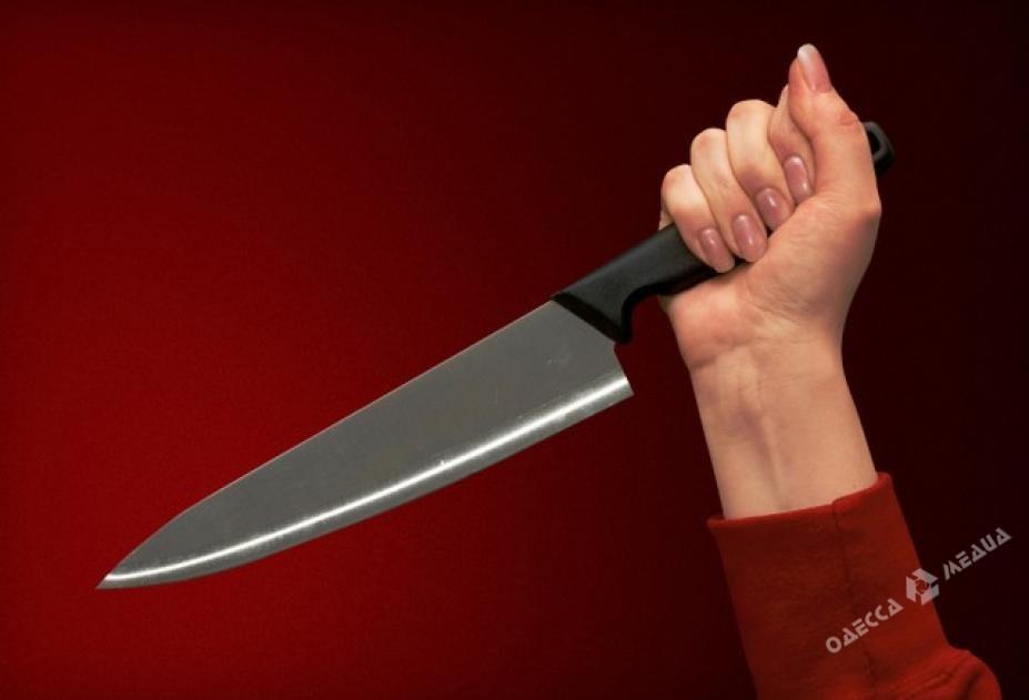 Нетрезвая женщина зарезала своего сожителя
