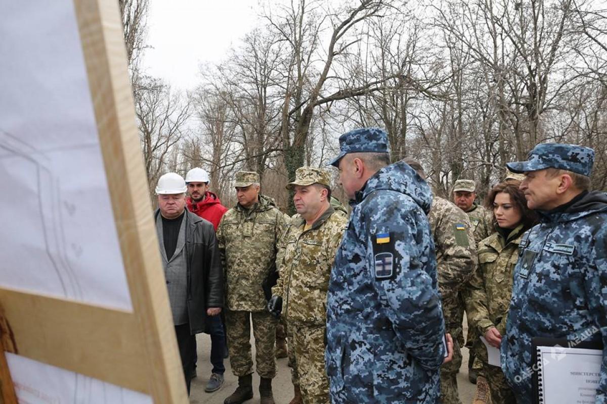 Министр обороны приехал синспекцией ввоенную часть вОдесской области