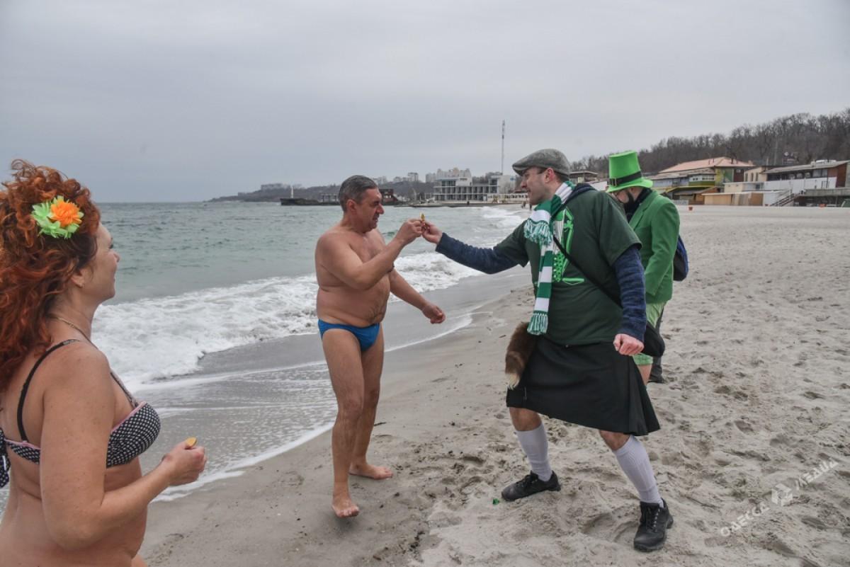 7f0c5713c07c83d6e9d8cab0bbaf4219 На одесском пляже творилось невообразимое