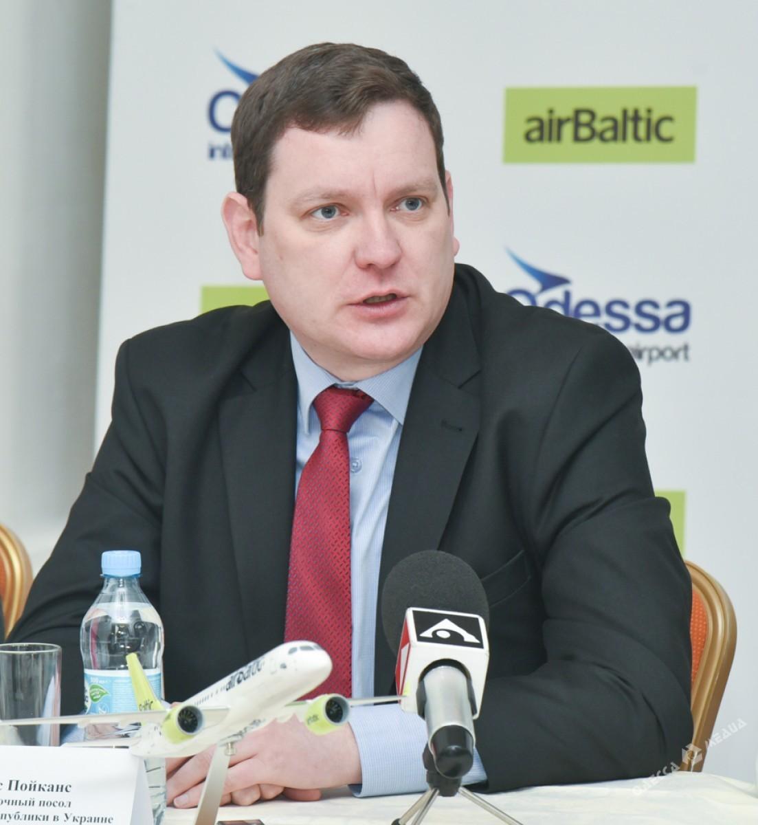 Латвийская авиакомпания возобновила прямые рейсы в государство Украину
