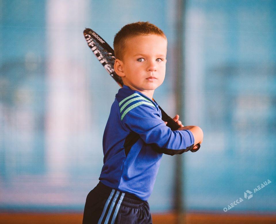 Самым юным теннисистом Украины стал 3-х летний одессит