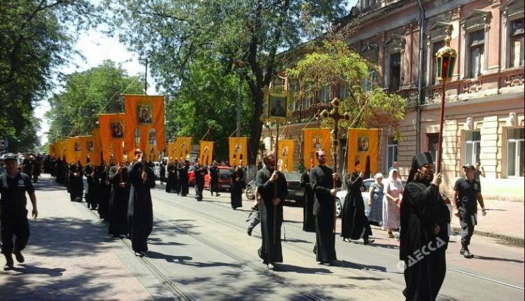 ВОдессе из-за провокаций отменили Крестный ход на9мая