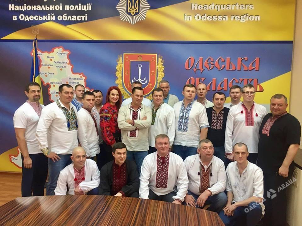 Вюбилейном «Мегамарше ввышиванках» приняли участие около 2-х тыс. одесситов