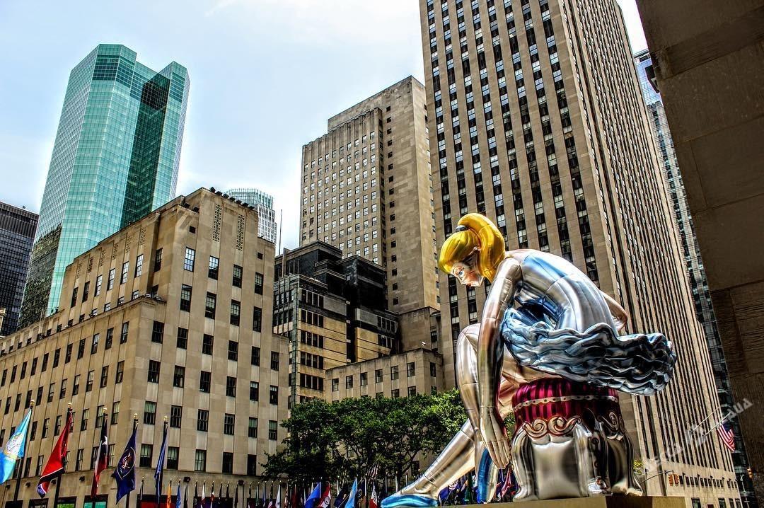 Американского скульптора обвинили вплагиате украинской фарфоровой статуэтки