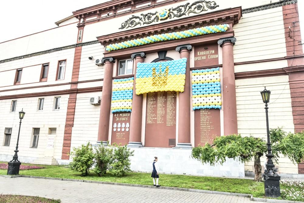 Одессу всрочном порядке декоммунизировали кприезду Порошенко
