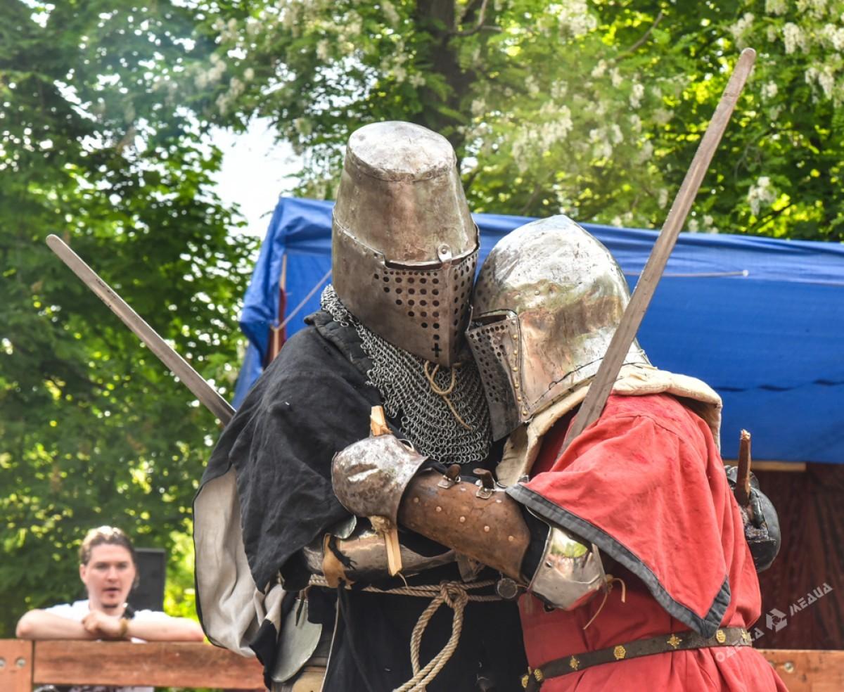 ВОдессе проходит фестиваль средневековой культуры «Пороховая башня»