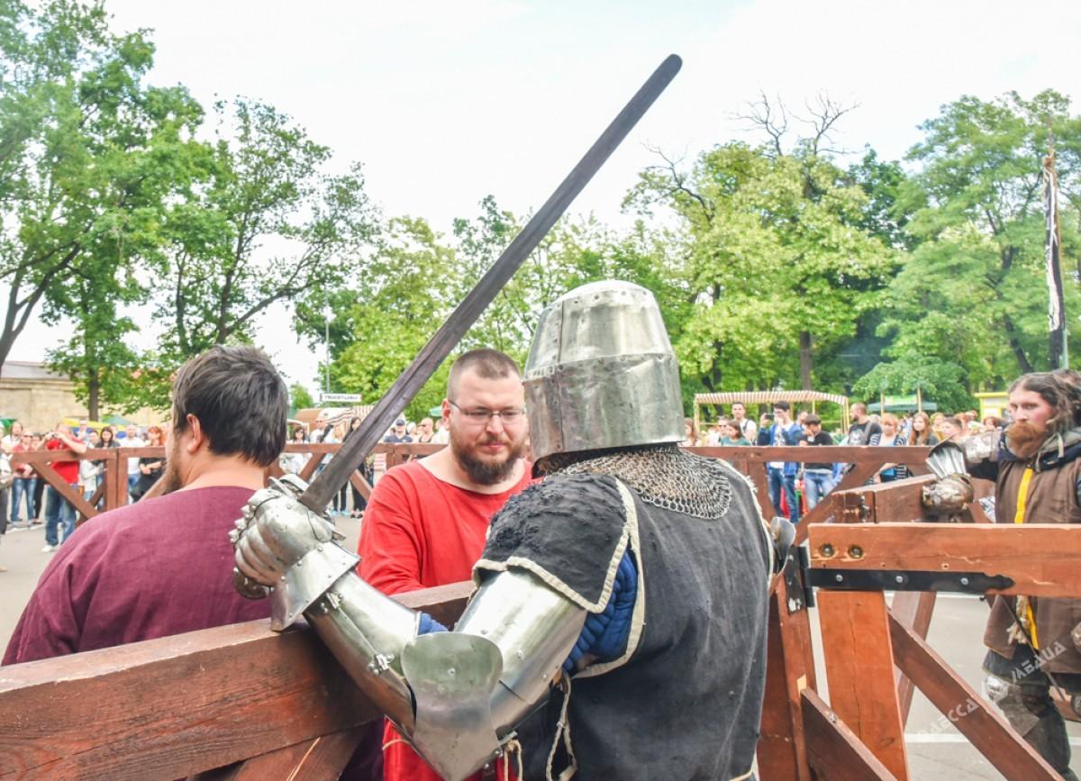 ВОдессе проходит III фестиваль средневековой культуры «Пороховая башня»