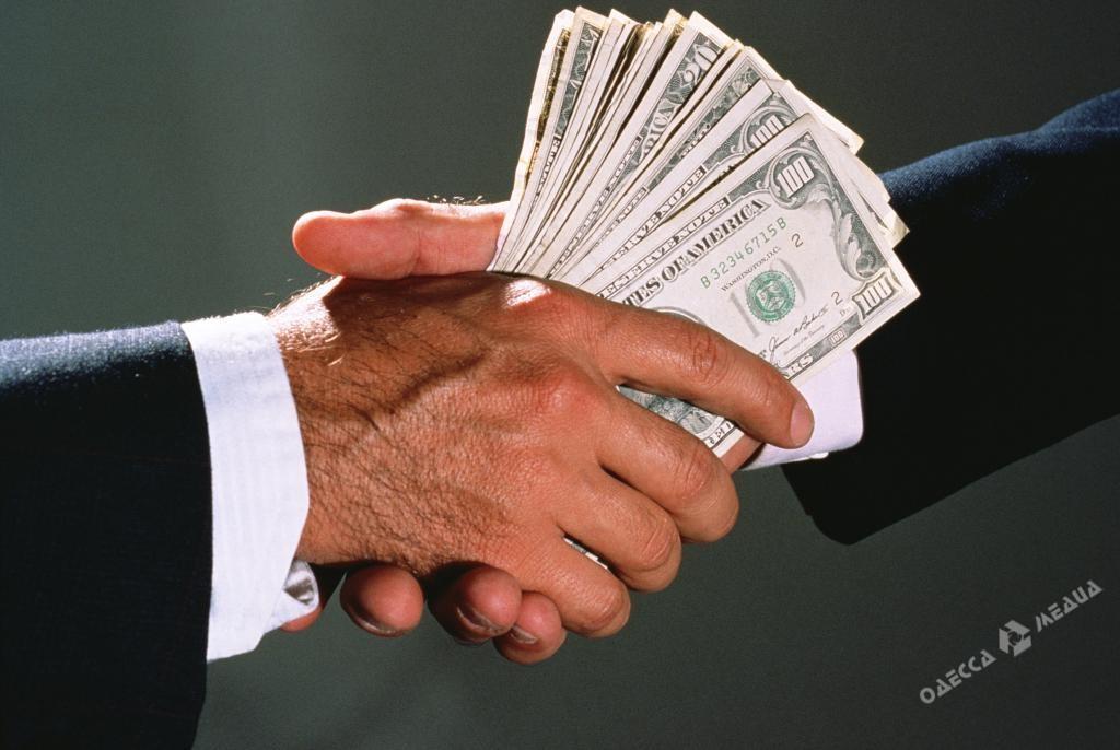 Двое полицейских добивались уодессита $2,5 тыс взятки— СБУ