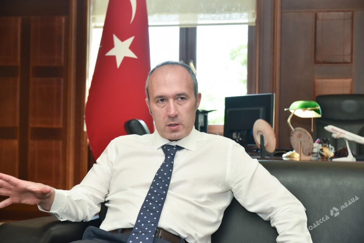 Эрдоган открыл вАнкаре монумент жертвам попытки перелома вТурции