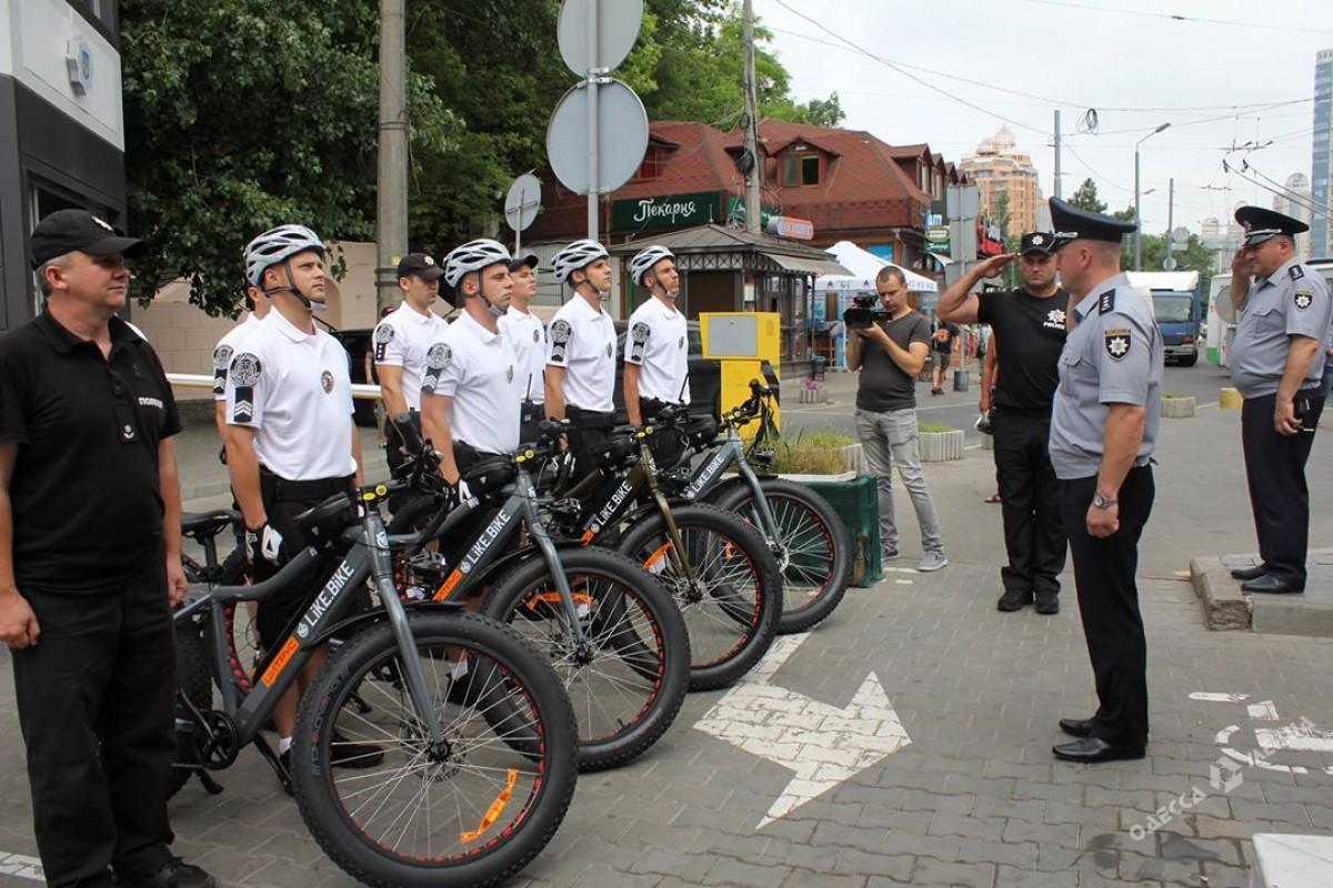 ВОдессе появился 1-ый велопатруль наэлектробайках