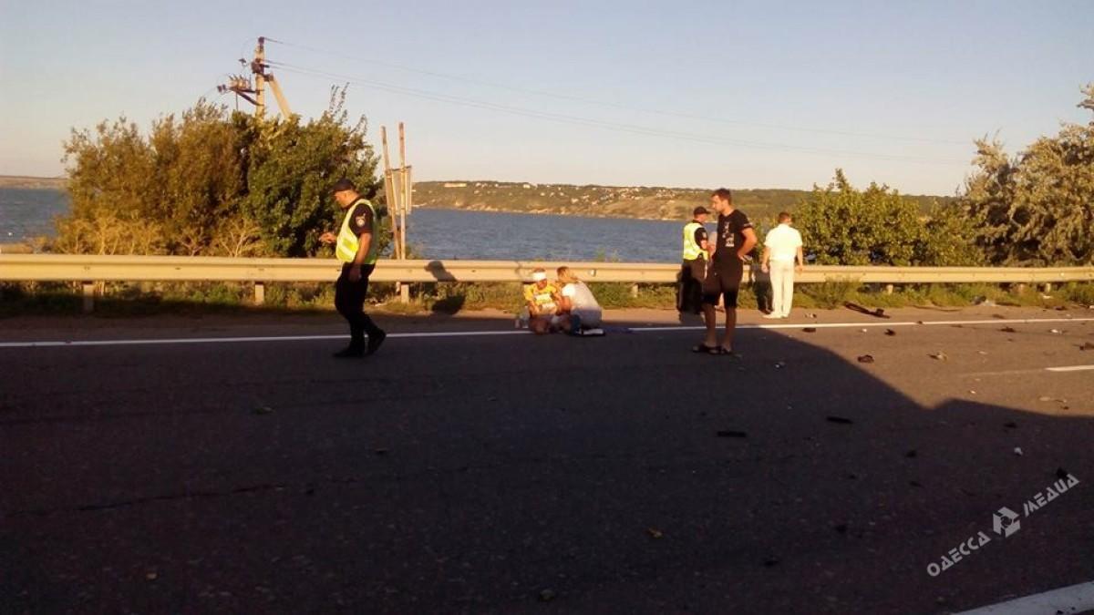 Натрассе Киев-Одесса перевернулся зерновоз: движение всторону столицы заблокировано