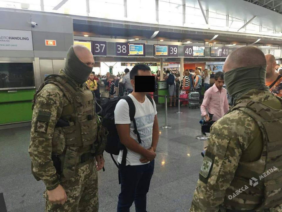 Ваэропорту украинской столицы задержали китайца, пытавшегося вывезти россиянку всекс-рабство