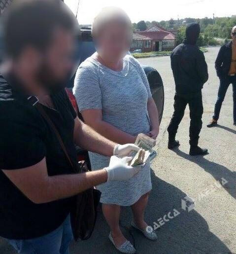 Руководитель сельсовета вЛиманском районе попалась навзятке в84 тыс. грн
