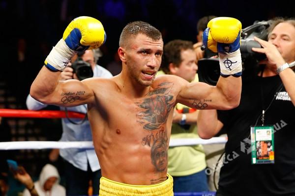 Украинец Ломаченко вошел втоп-3 наилучших боксеров мира
