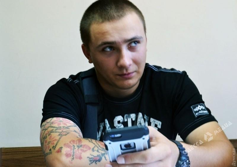 ВОдессе арестовали экс-главу «Правого сектора» забеспорядки уЛетнего театра