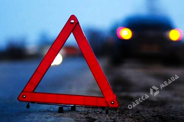 Вночном ДТП наФонтанской дороге пострадали женщина и10-летняя девочка