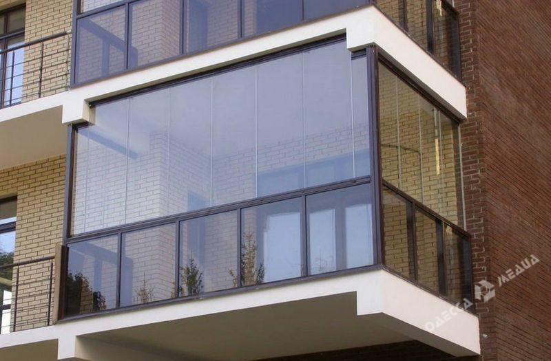 Какими способами остекляются лоджии и балконы? строительный .