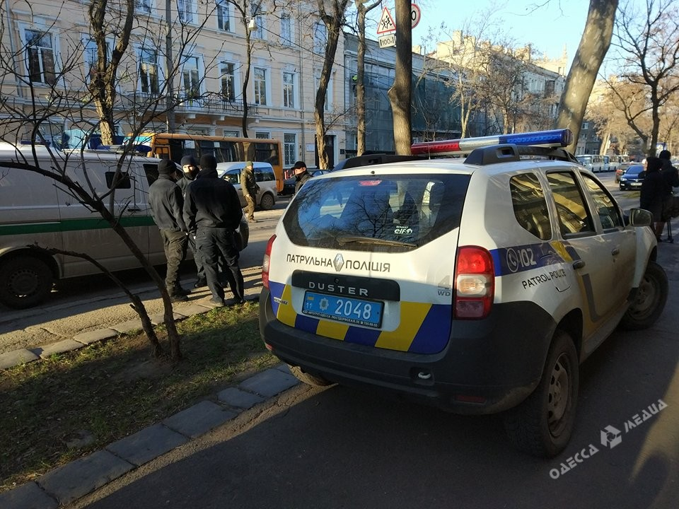 «Пульс»: граждане  Одессы выступили против сноса монумента  основателям города