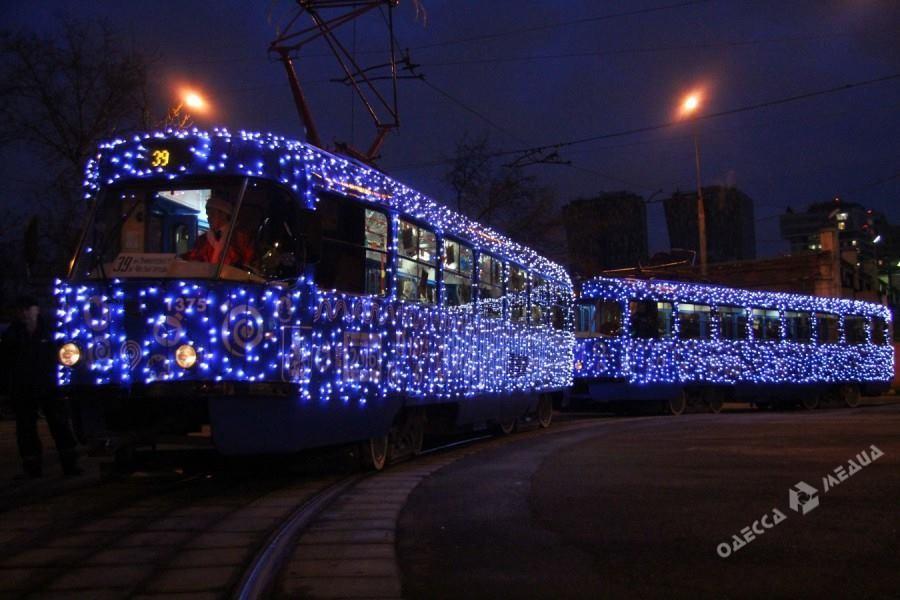 ВОдессе прошел Рождественский парад трамваев