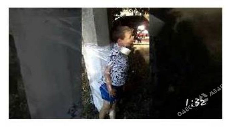 Жестокие игры: вОдесской области мальчика синвалидностью привязали кстолбу