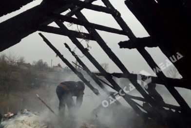 Рухнула крыша: огонь почти уничтожил домовладение в Одесской области