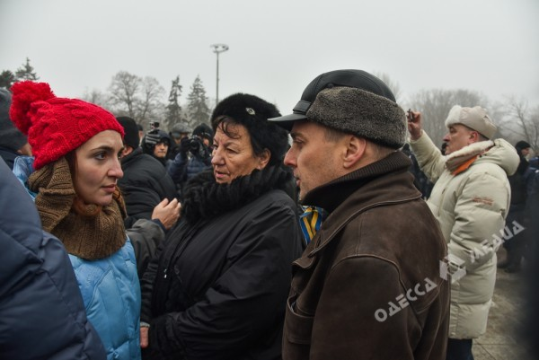 В Одессе милиция живой стеной разделила «Самооборону» и «Антимайдан» (ФОТО), фото-7