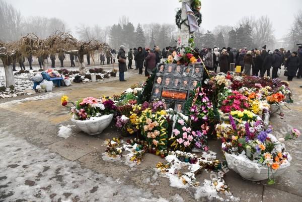 В Одессе милиция живой стеной разделила «Самооборону» и «Антимайдан» (ФОТО), фото-3