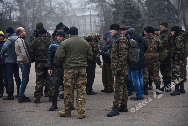 В Одессе милиция живой стеной разделила «Самооборону» и «Антимайдан» (ФОТО), фото-9