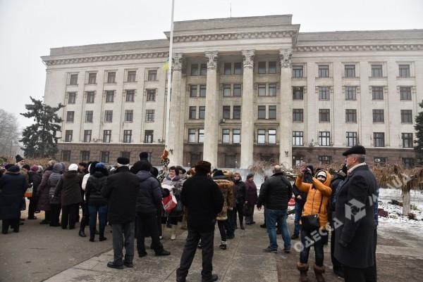 В Одессе милиция живой стеной разделила «Самооборону» и «Антимайдан» (ФОТО), фото-6